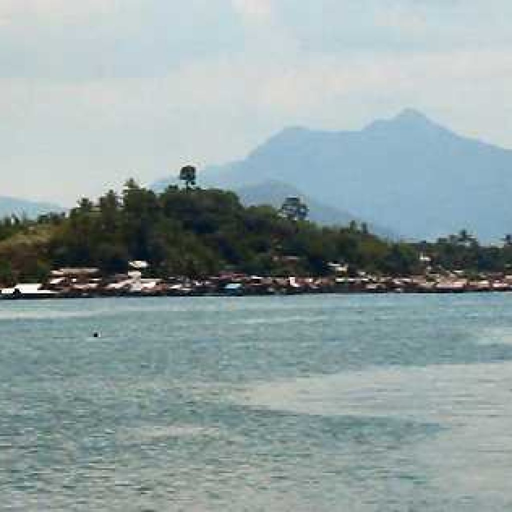 Funerals and Repairs in San Pedro Bay